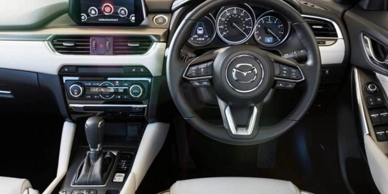 2021 Mazda CX-4 Interior